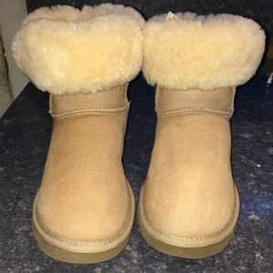 UGG Chestnut Classic Short II Boot S/N 5825 Size 8